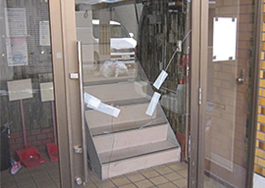 大阪府のガラス交換・修理サービス/とにかくすぐにガラスを交換したい方